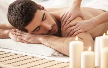 Cum sa faci un masaj erotic de 10 pentru partenerul tau